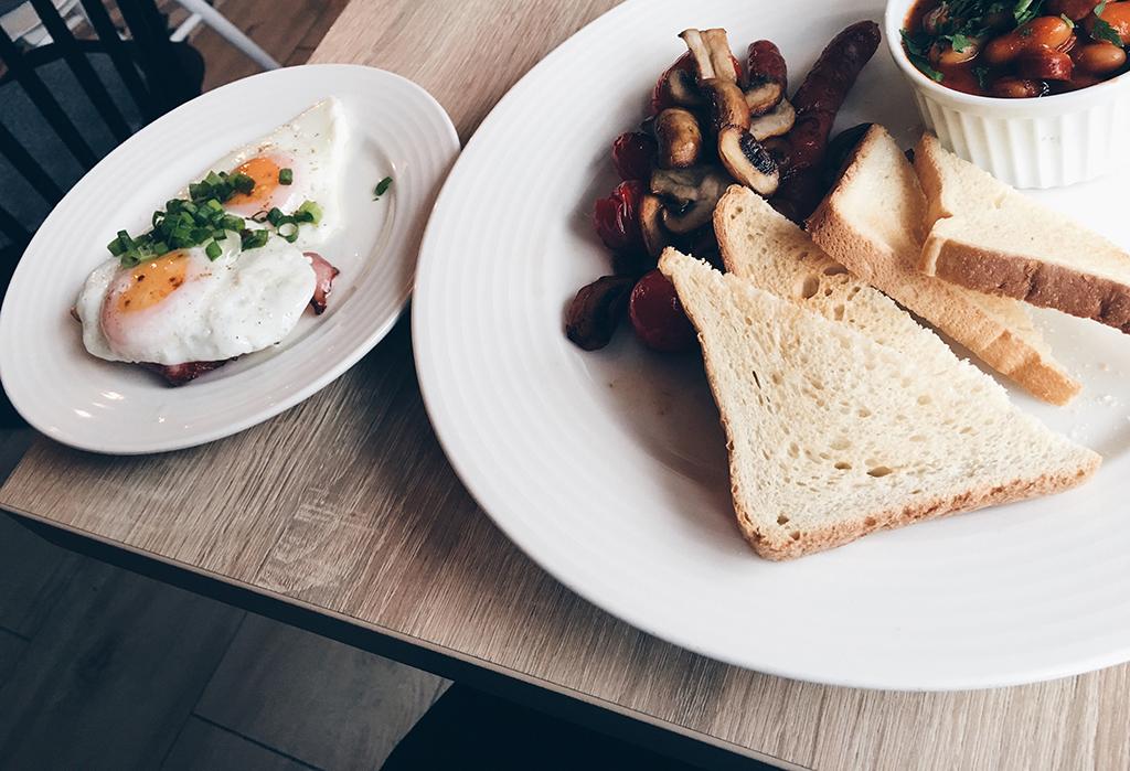 aleja 40 cafe gdynia tri city poland; best coffee in gdynia; breakfast in gdynia; cafe gdynia; hipster cafe gdynia;