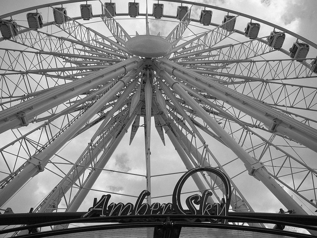 amber sky gdansk viewing wheel tricity poland